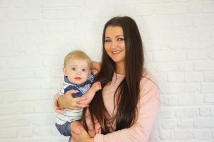 Chloe from teen mom holding her son Marley